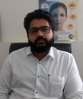 Dr Sukhtej Sahni